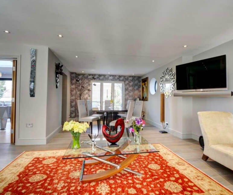 Builders in High Wycombe - Freshly renovated living room with added dining area